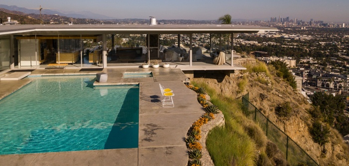 A pool that must be disclosed when selling real estate.