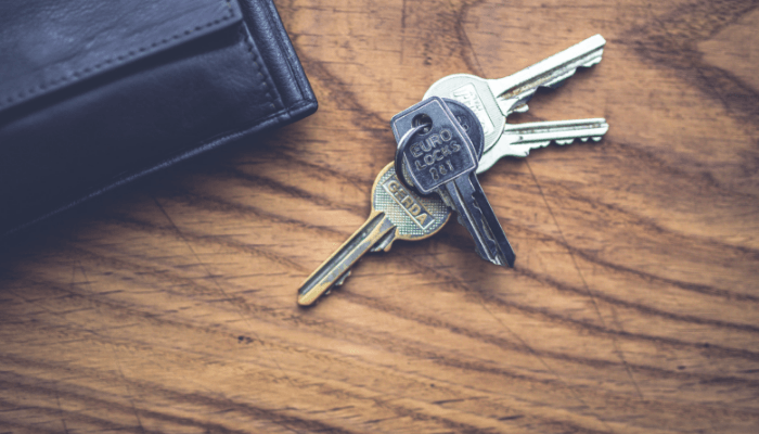 Tenant keys when a house is for sale.