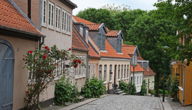 A row of houses that could have one under contract.
