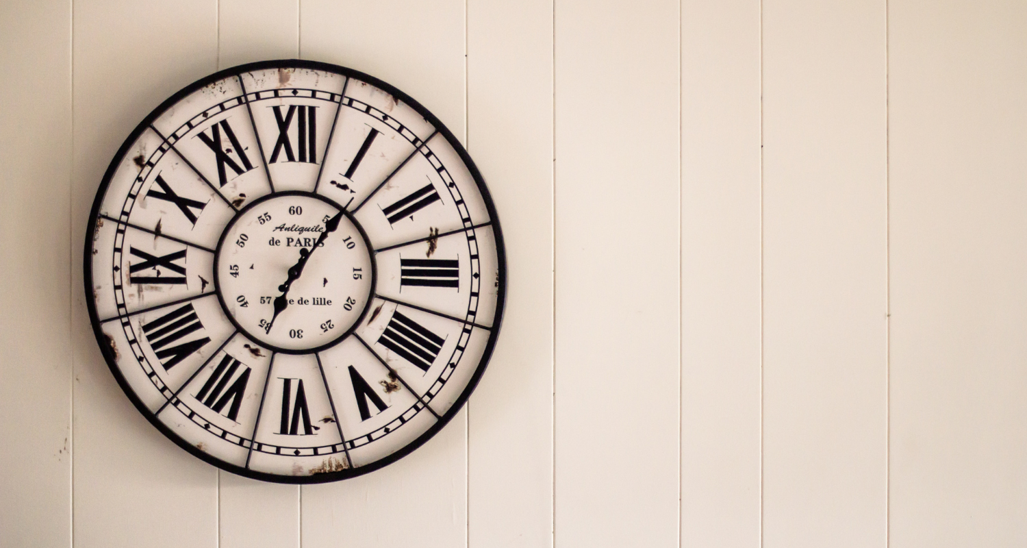 A clock representing the importance of selling a home in foreclosure quickly.